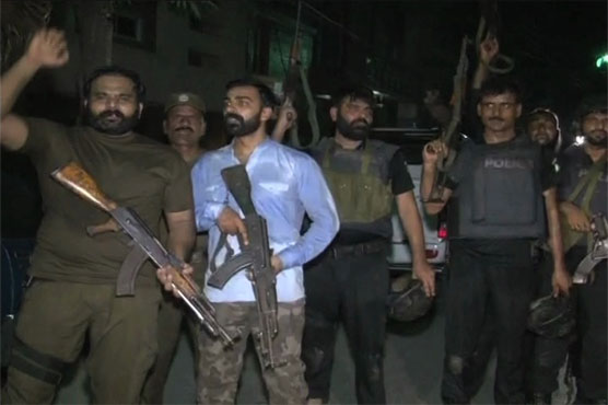 Police gun down four dacoits in Lahore's Shadman area