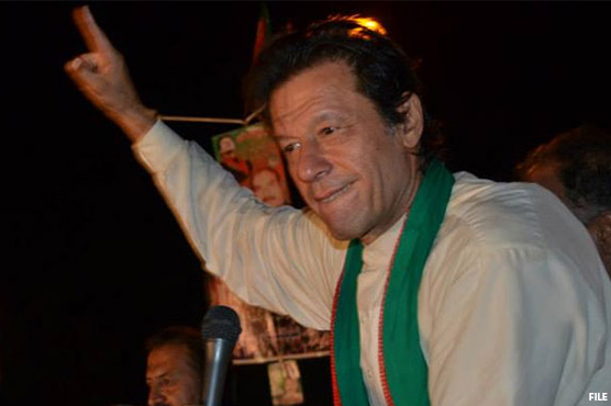 Ahead of PM vote, Islamabad crowds root for Khan
