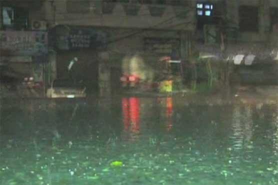 Heavy rain turns weather pleasant in Lahore