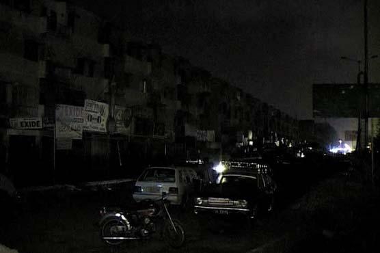 Over 100 feeders trip as rain hits Lahore