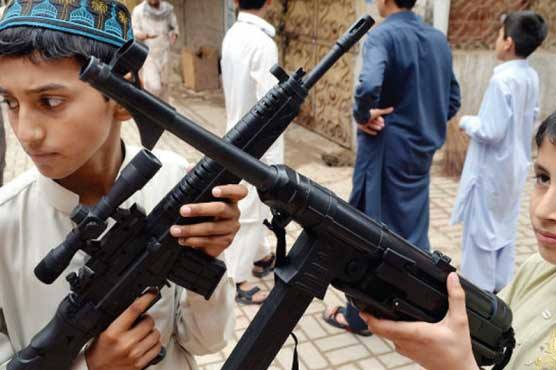 Overt sale mocks toy guns' ban in Karachi
