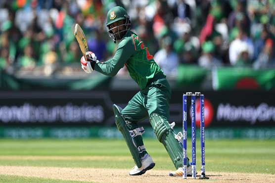 Pakistan thrash the hosts to reach final