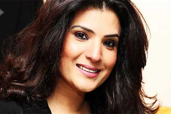 Film star Resham likely to tie knot next year