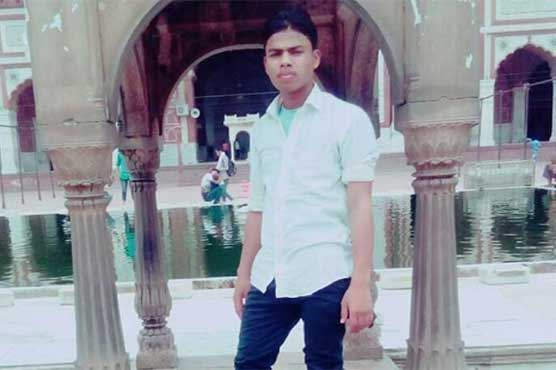 Hindus kill 1 Muslim in clash on running train in India