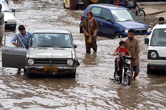 Karachi streets remain flooded as rain exposes government's claims