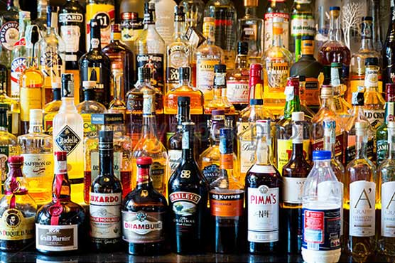 Customs officials recover 30 alcohol bottles at Lahore airport