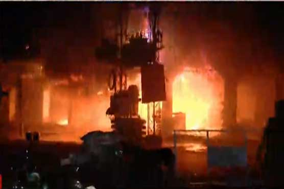 Shop in Lahore's Shadman Market catches fire