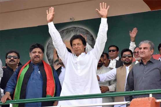 Will take to roads in case of social media ban, warns Imran Khan