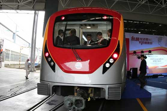 First Orange Line Metro train to reach Lahore in July 2017