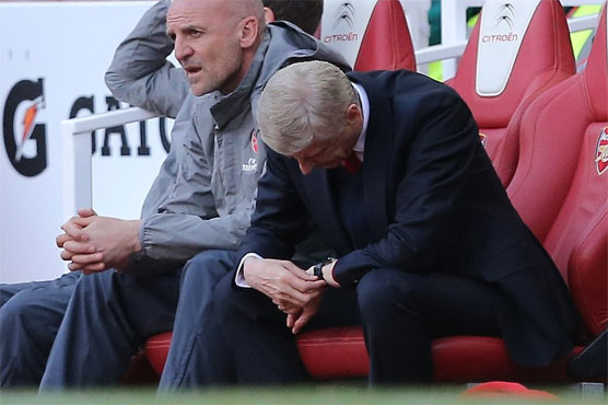 Football: Misery for Arsenal as City, Liverpool book Champions League berths