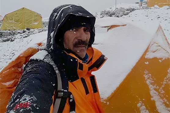 Col (retd) Abdul Jabbar becomes fourth Pakistani to scale Everest