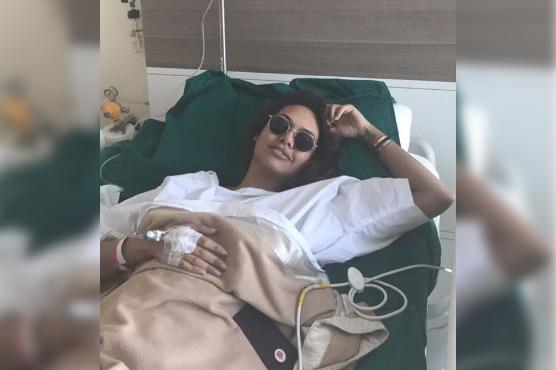 When bold Esha Gupta turns amusing and stylish in hospital
