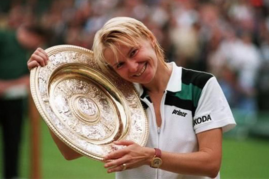 She was inducted into the International Tennis Hall of Fame in 2005