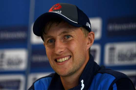 Trash talk only putting Aussies under pressure, says Root