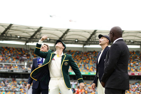 England win toss and bat in first Ashes Test