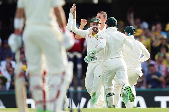 Lyon roars with run-out to slow England in Ashes