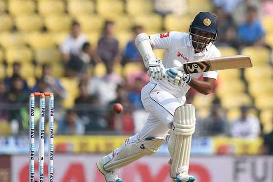 Sri Lanka struggle despite Karunaratne fifty