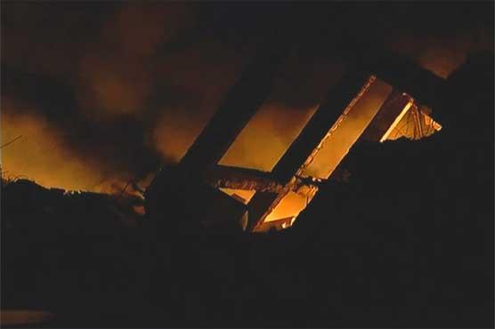 Karachi: Fire destroys shoe factory