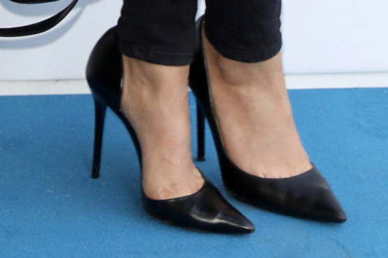 803783902181 Philippines govt bans compulsory high heels at work for women