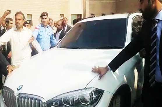 Sharif returns to Pakistan to face accountability