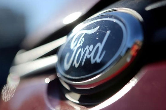 Ford partners with Lyft in self-driving race