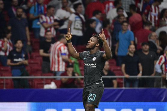 Batshuayi strikes late to give Chelsea win at Atletico