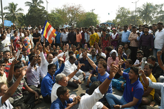 Flyers Stranded at Mumbai Airport as Caste Unrest Disrupts City