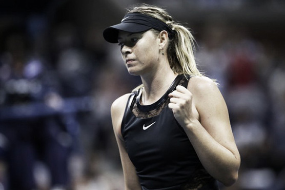 Australian Open: Angelique Kerber beats Maria Sharapova in straight sets