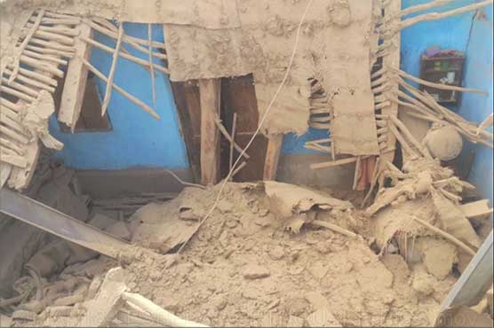 Powerful natural disaster jolts parts of Pakistan, Child killed in Lasbela