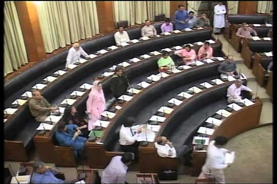 Sindh Assembly: PPP,MQM protest against power cuts