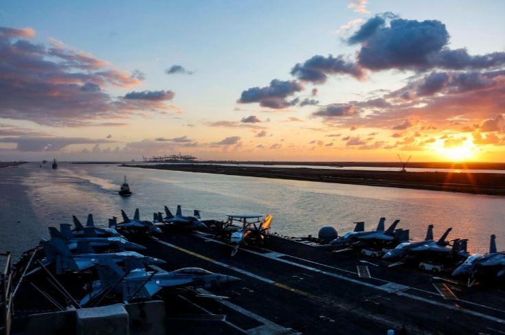 U S  warns merchant ships of possible Iranian attacks