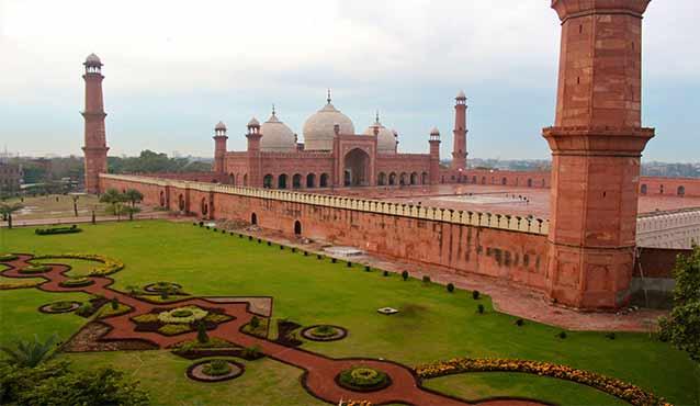 Image result for badshahi mosque