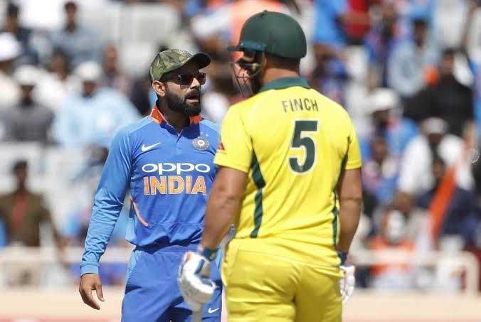 cricket428129 - بھارتی کرکٹرز بھی جنگی جنون میں مبتلا، فوجی ٹوپیاں پہن لیں