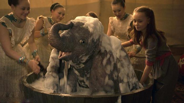 "dumbo 2 - اُڑنے والے ہاتھی کے شائقین مداح، فلم ""ڈمبو"" باکس آفس پر چھا گئی"