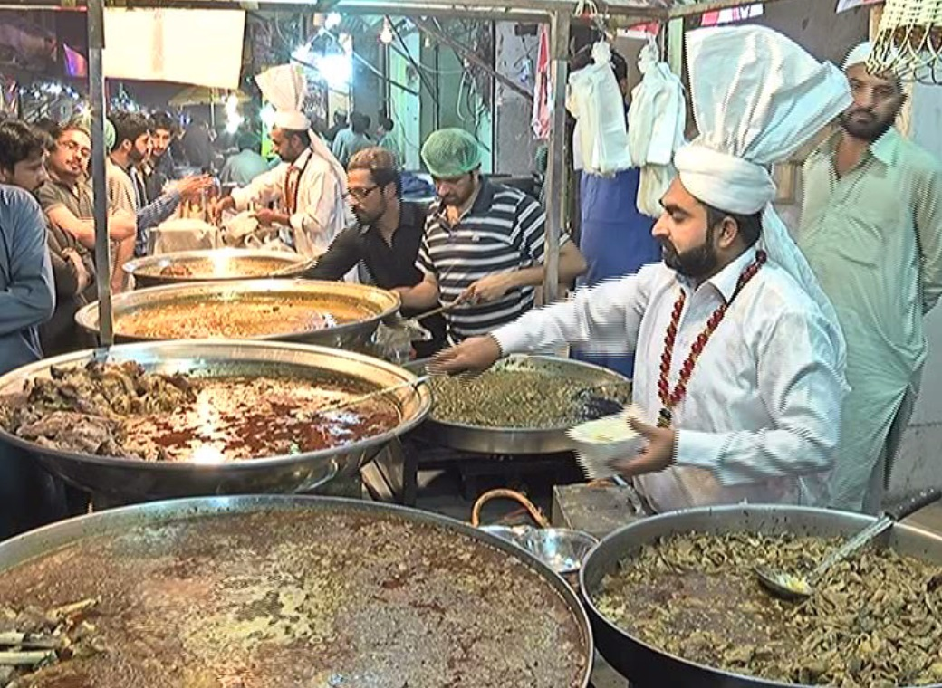 Kartarpura, the food street where traditional sehri brings people