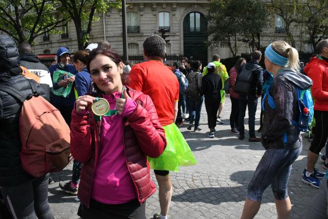 Marathon runner breaks world record in high heels