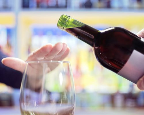 stop alchohol - کینسر جیسے خطرناک مرض میں مبتلا کرنے والی چند عادات