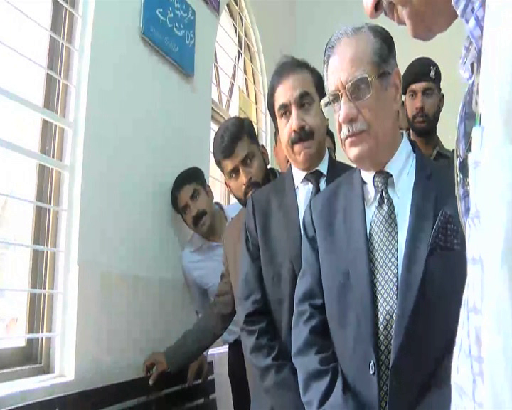 CJP inspects facilities at PIMH, Services Hospital amid complaints