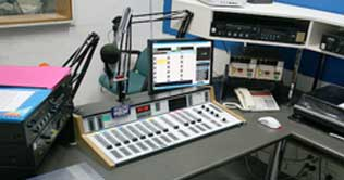 US, KP govts ink pact to set up FM radio station