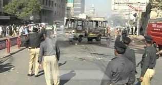 Violence spreads in Karachi after killings