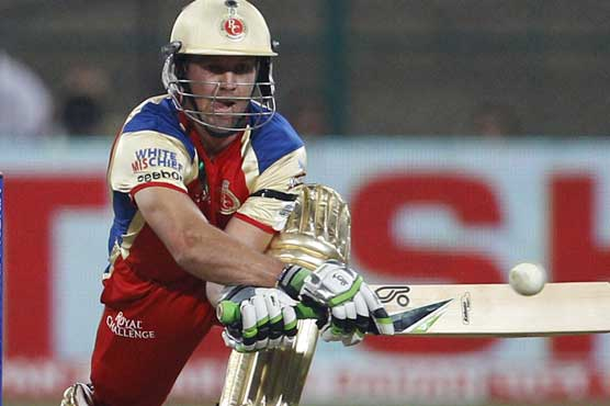 De Villiers cleared to return after broken hand