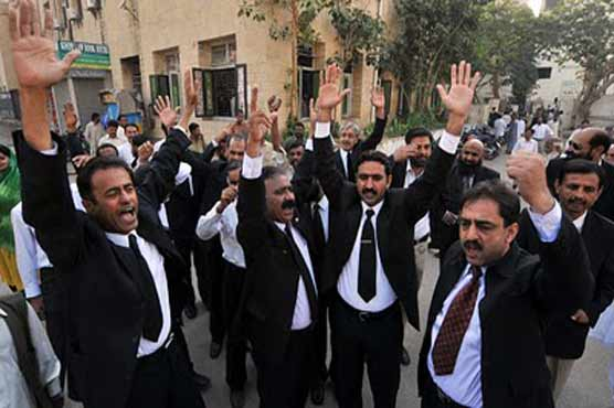 Lawyers protest at outside Margalla police station