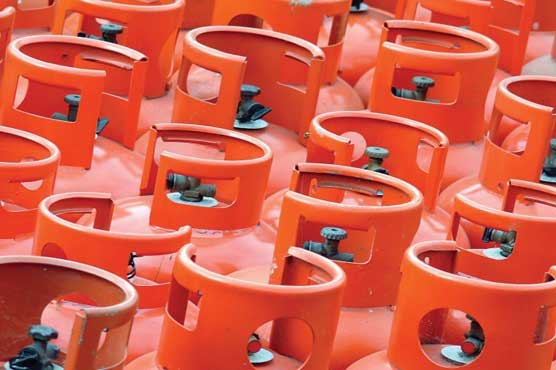 LPG price reduced by Rs 15 per kg