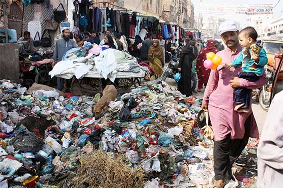 Chinese company signs agreement to collect garbage in Karachi