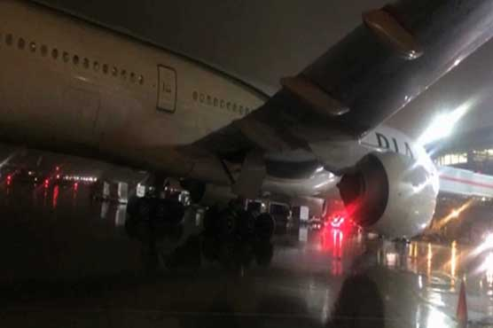 PIA, Air France planes collide at Toronto airport