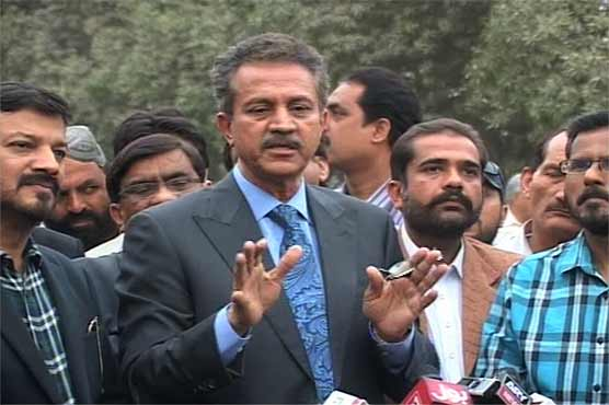 Will go to court if powers not given, warns Karachi mayor