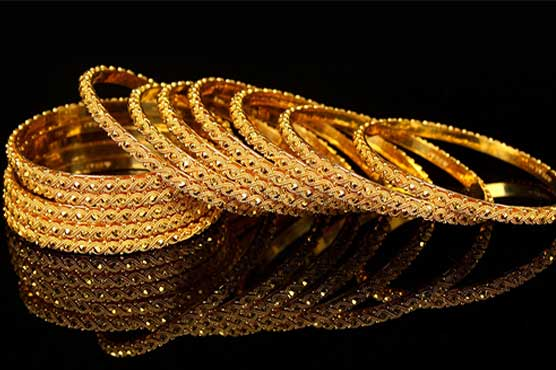 Gold price falls by Rs156 to Rs50,600 per tola