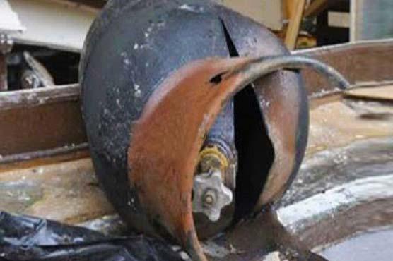 Cylinder explosion injures five in Peshawar