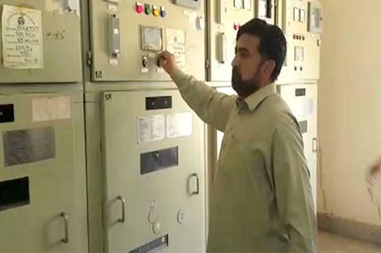 Protestors led by PTI's Fazal Elahi restore electricity in Peshawar