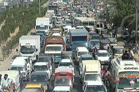 Traffic jam woes on Karachi highways ahead of Ramazan